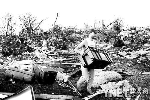 龙卷风暴雨狂袭美国多州致多人死亡